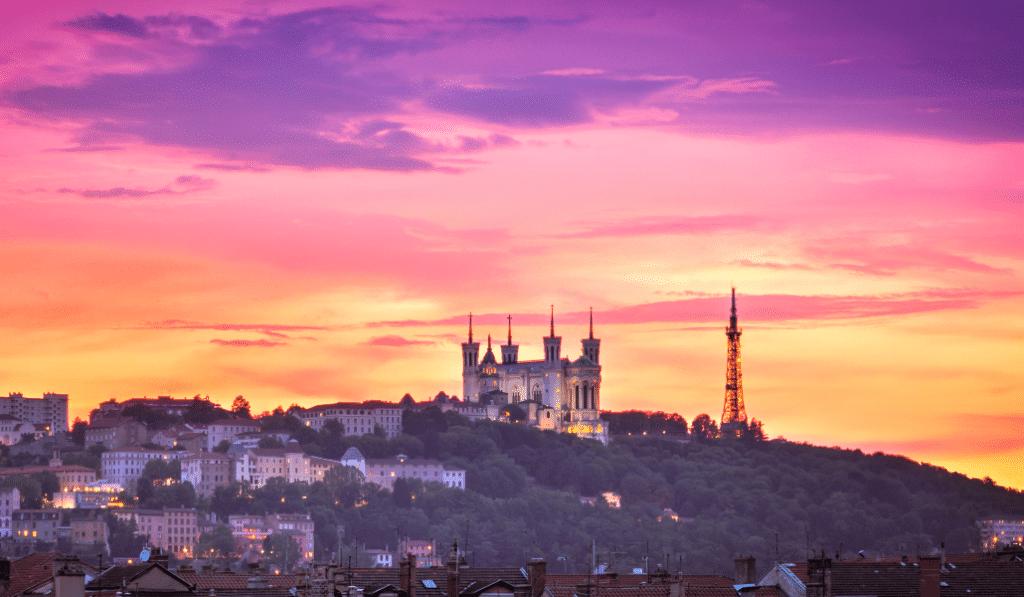 5 spots incontournables pour photographier les plus beaux couchers de soleil à Lyon