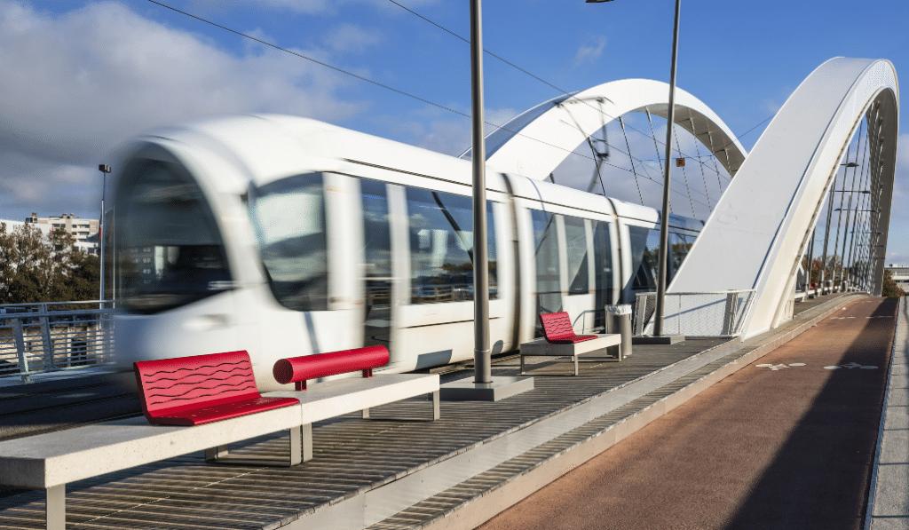 Bonne nouvelle : le tram T2 prolongé à la Confluence dès aujourd'hui !