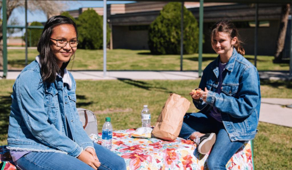 Bon plan : 300 repas chauds et kits d'hygiène OFFERTS aux étudiants de Lyon !