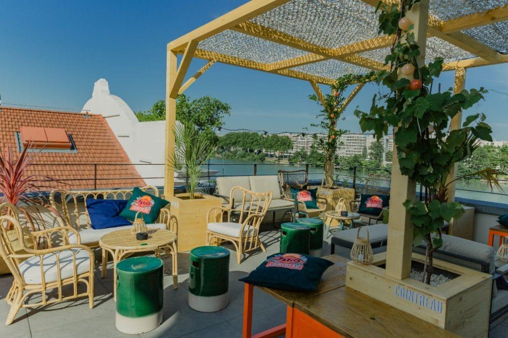 Patio Cointreau : LE spot tropical de l'été pour siroter des cocktails sur un rooftop secret à Lyon !