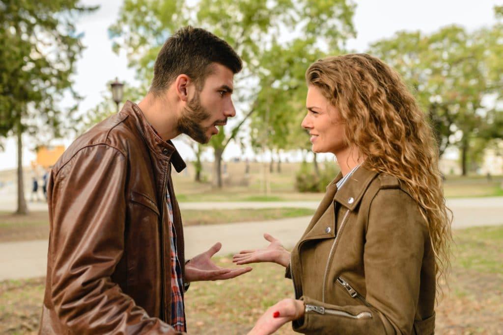 Avis aux couples foireux : vous pouvez maintenant payer quelqu'un pour rompre à votre place !