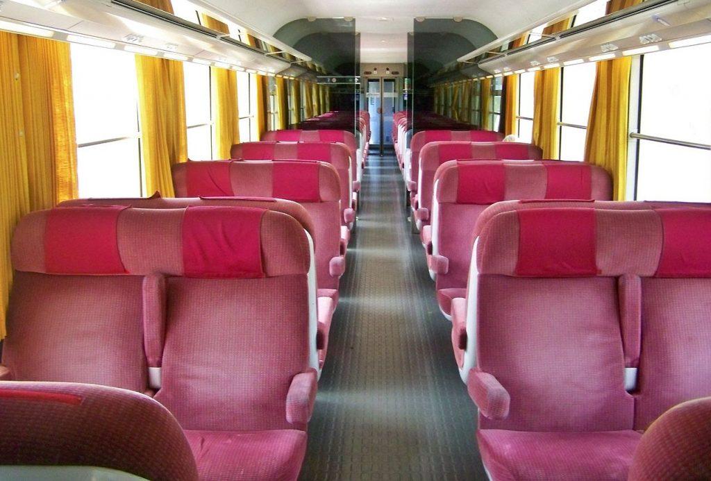 Bientôt de nouveaux trains ultra low-cost (et roses bonbon !) pour relier Lyon à Paris !