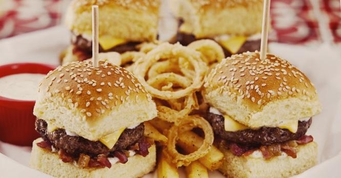 Buena, bonita y barata: la mejor hamburguesa «typical Spanish» de Madrid