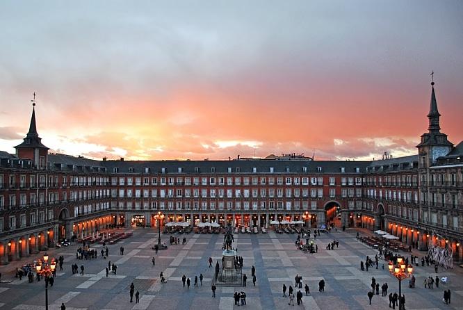 Las 10 frases que te salvarán la vida si estás en Madrid