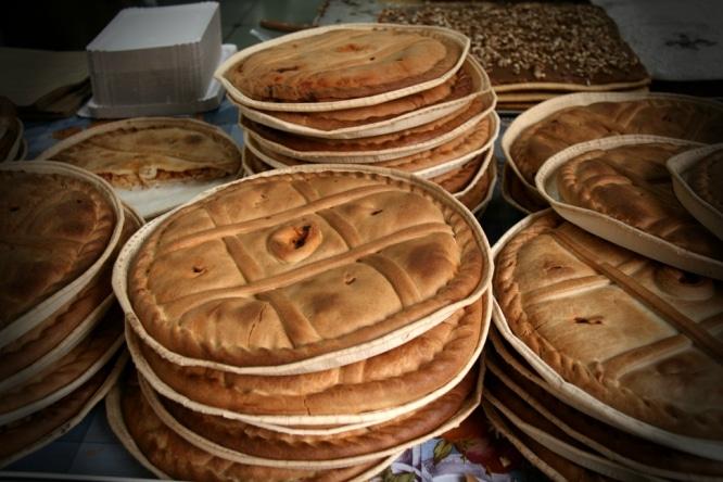 Rellenas y calientes, así son las mejores empanadas de Madrid