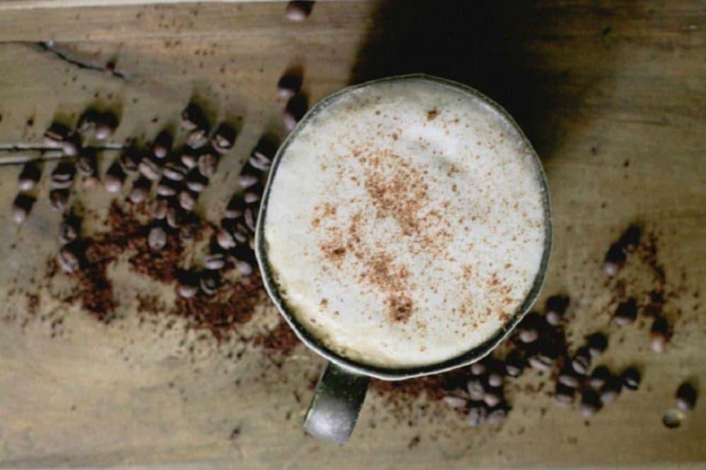 Más bueno que George Clooney: dónde tomar el mejor cappuccino de Madrid