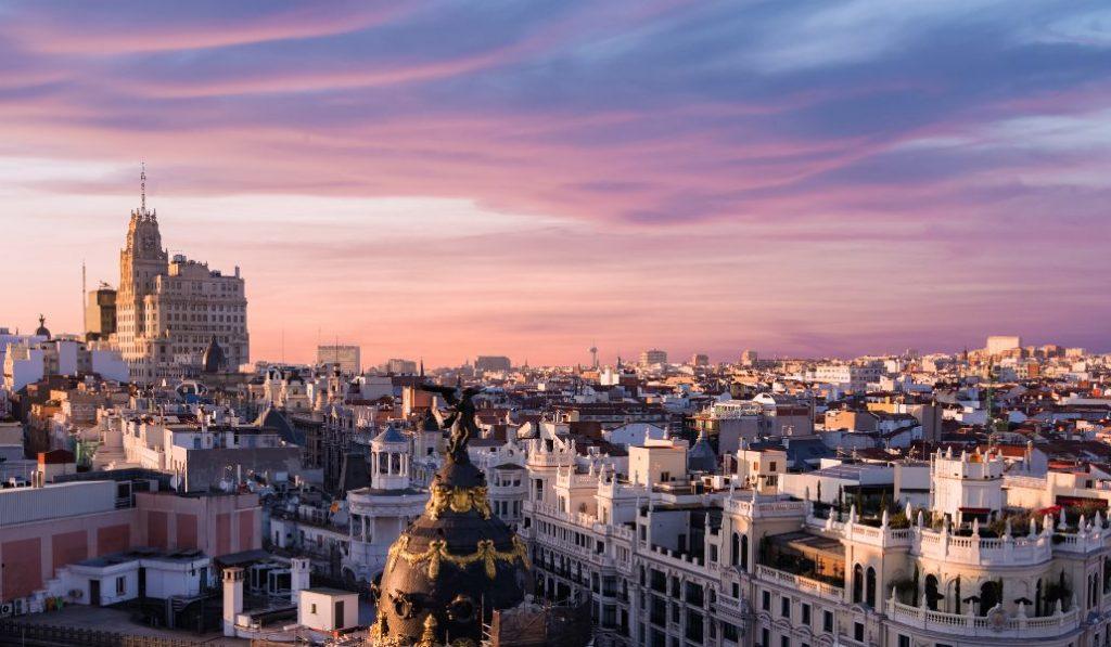 Los madrileños gastan unos 200 euros al mes en ocio según el INE, ¿y si ahorrases el 20%?