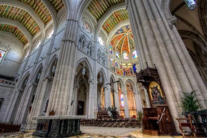 10 curiosidades de la Catedral de la Almudena que no conocías