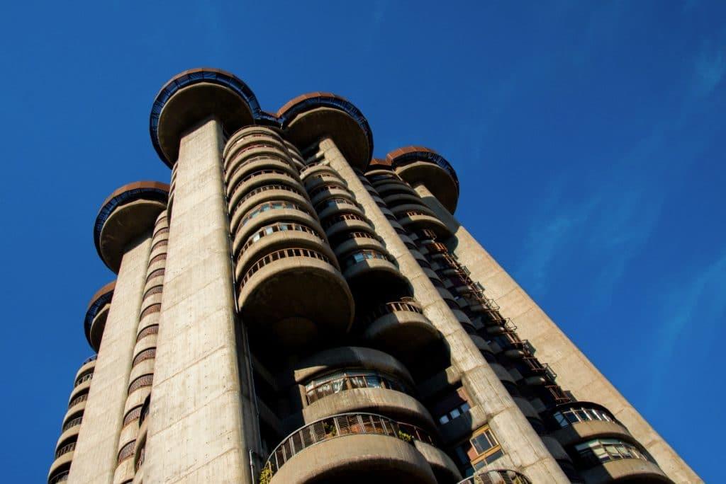 Torres Blancas: la obra cumbre del brutalismo madrileño