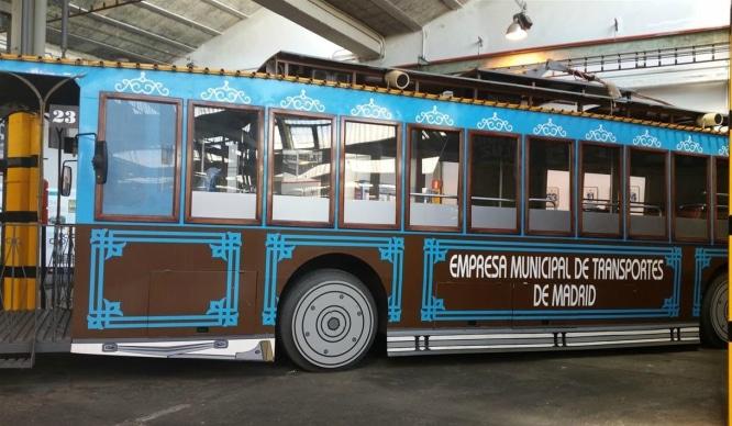 EMT ofrecerá recorridos vintage por la ciudad con autobuses de los 70