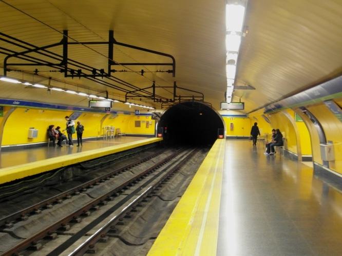 Madrid_-_Metro_-_Estación_de_Callao_(7190022278)