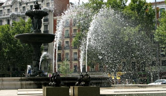 El Ayuntamiento permite socilitar fuentes de agua a los madrileños