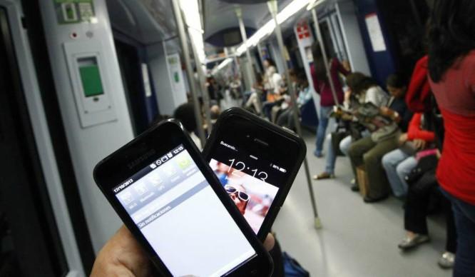 Ya se puede cargar el móvil en el Metro de Madrid