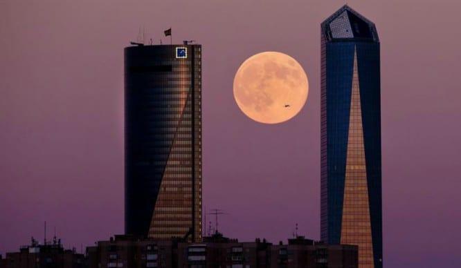 Los mejores lugares para ver la Superluna de Madrid esta noche