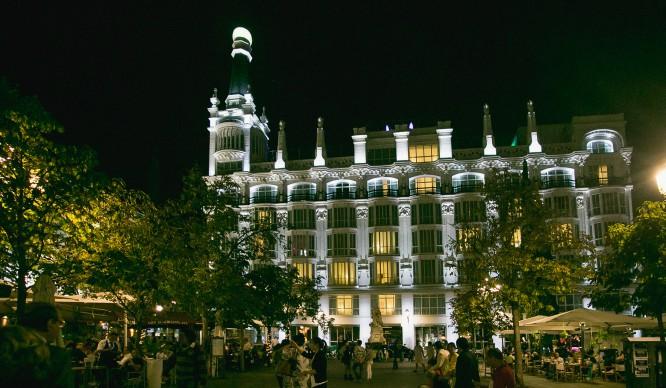 Este año vive la Nochevieja por partida doble en el Me Madrid Reina Victoria