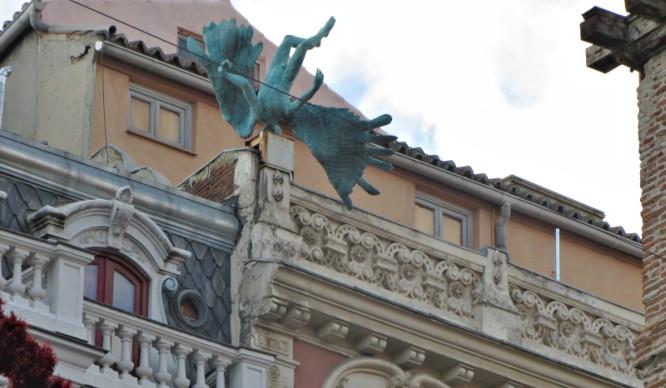 Estatuas raras de Madrid: ¿sabías que existían?