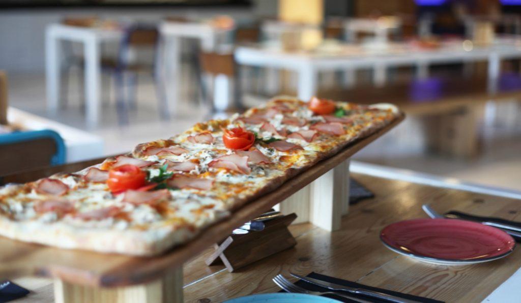 La alta cocina se come con las manos en 'Kilómetros de Pizza'