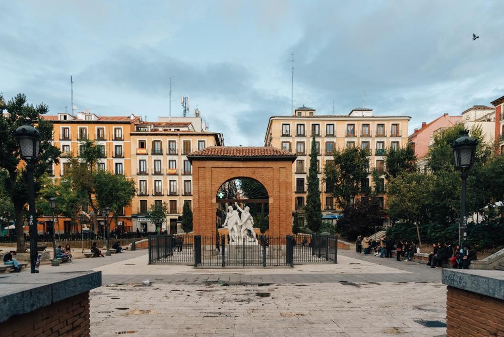 35 razones por las que la plaza del Dos de Mayo es el mejor plan de Madrid