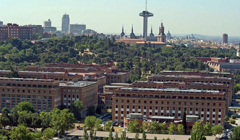 Las tasas universitarias de Madrid bajarán el próximo curso