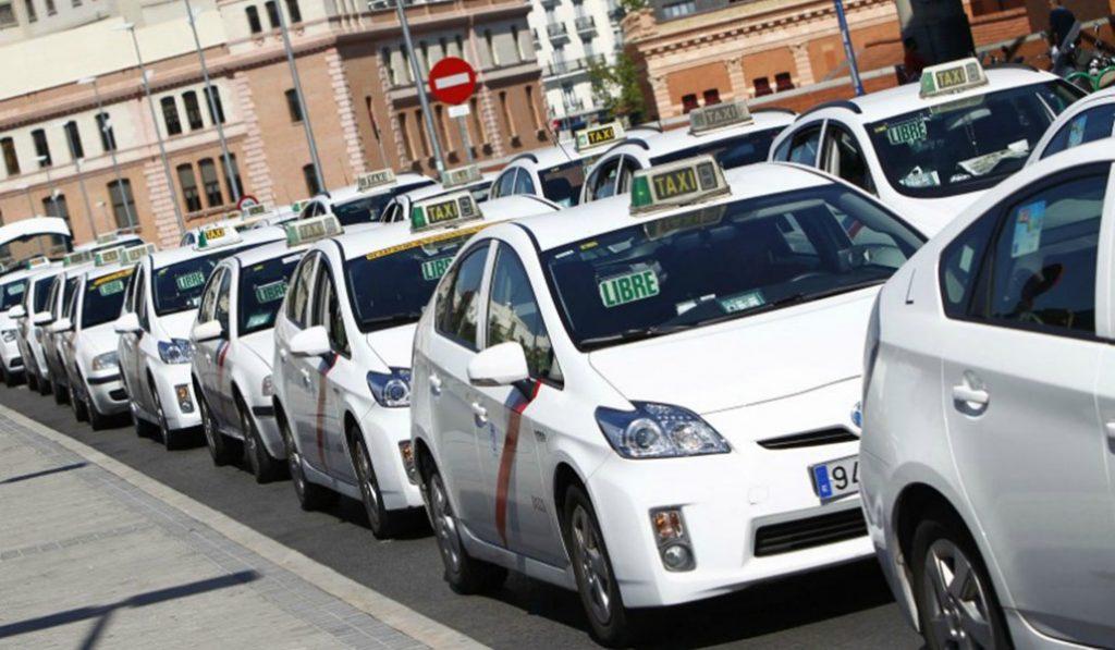 Los taxis contaminantes desaparecerán de Madrid en seis años