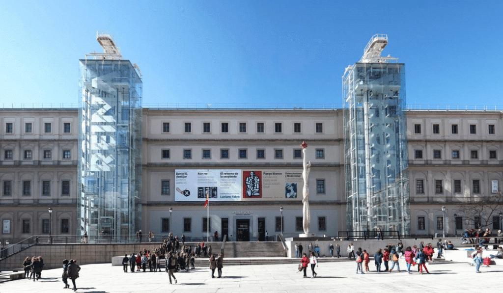 El Museo Reina Sofía encarece su entrada y reestructura las visitas