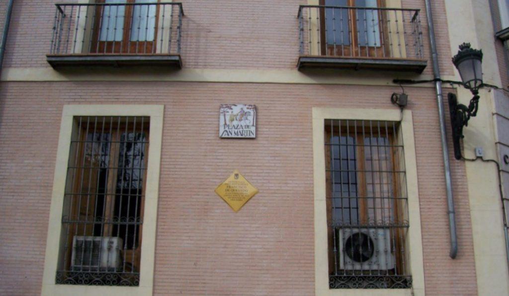 Las placas que conmemoran la historia y la memoria de Madrid
