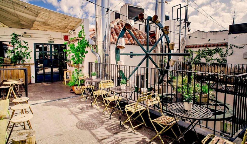 En agosto solo hay un barrio de moda: La Latina