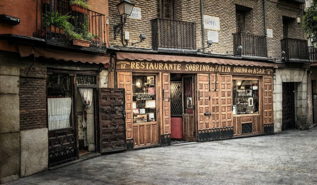 Bares centenarios de Madrid: cuando la experiencia es un grado
