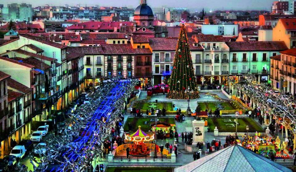 Alcalá de Henares vuelve a transformarse en la ciudad de la Navidad