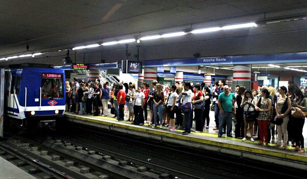 Estos son los horarios especiales del transporte público para Nochevieja