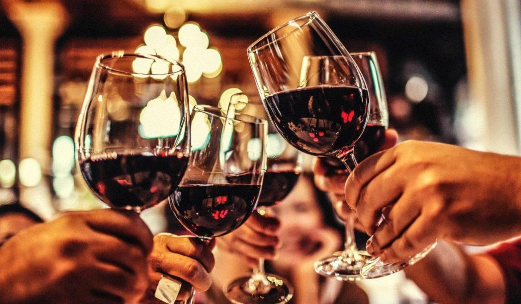 En Madrid hay cosas que salen bien y se celebran con vino