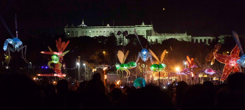 Un pasacalles de luces iluminará mañana Madrid Río