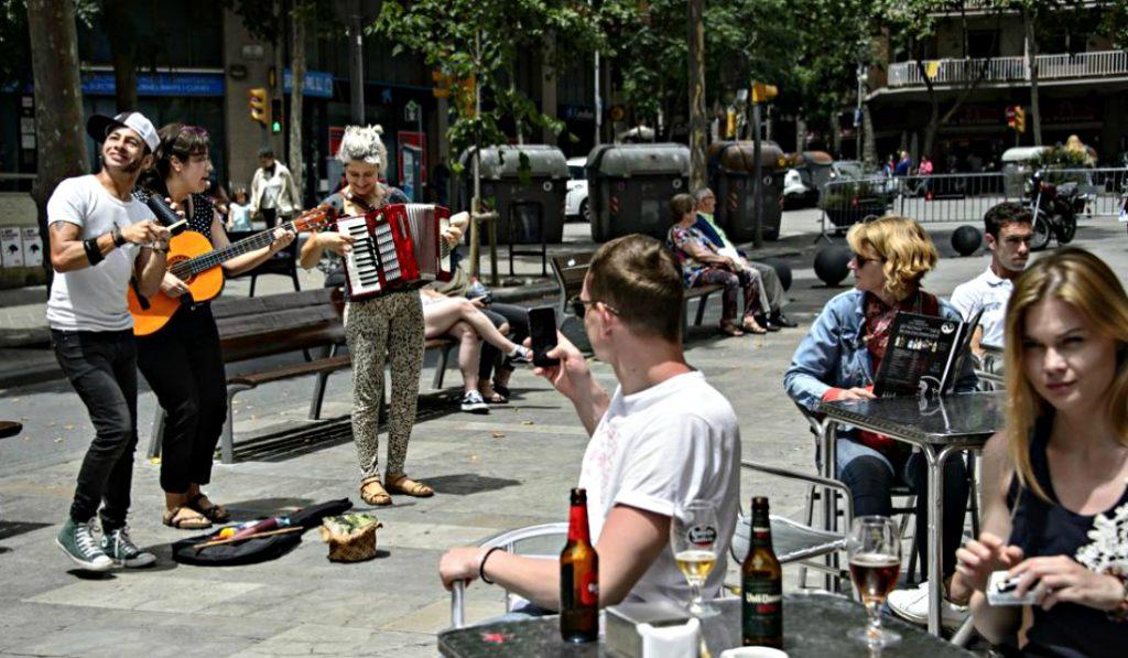 Los músicos callejeros tendrán que cumplir horarios y solo podrán tocar en zonas establecidas