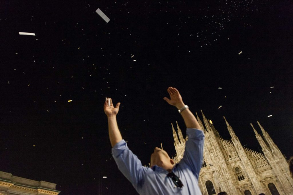 100.000 poemas en forma de marcapáginas lloverán sobre la plaza Mayor