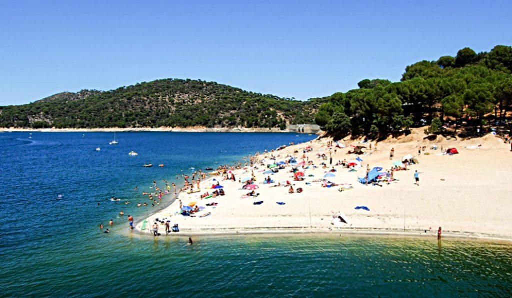 Madrid ya cuenta con su primera playa con bandera azul