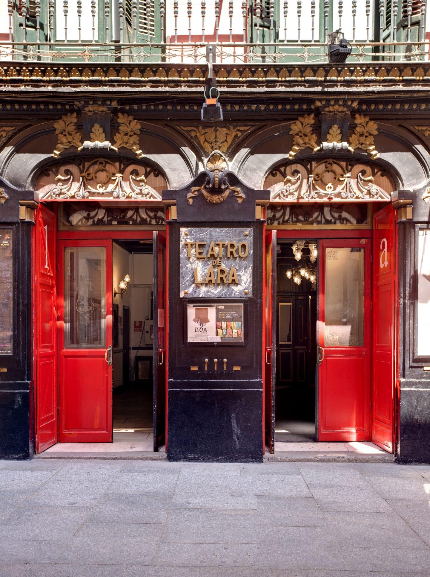 fachada-teatro-lara
