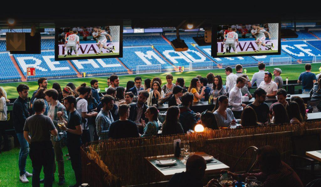 Vive los partidos de España en el Mundial desde dentro del Bernabéu