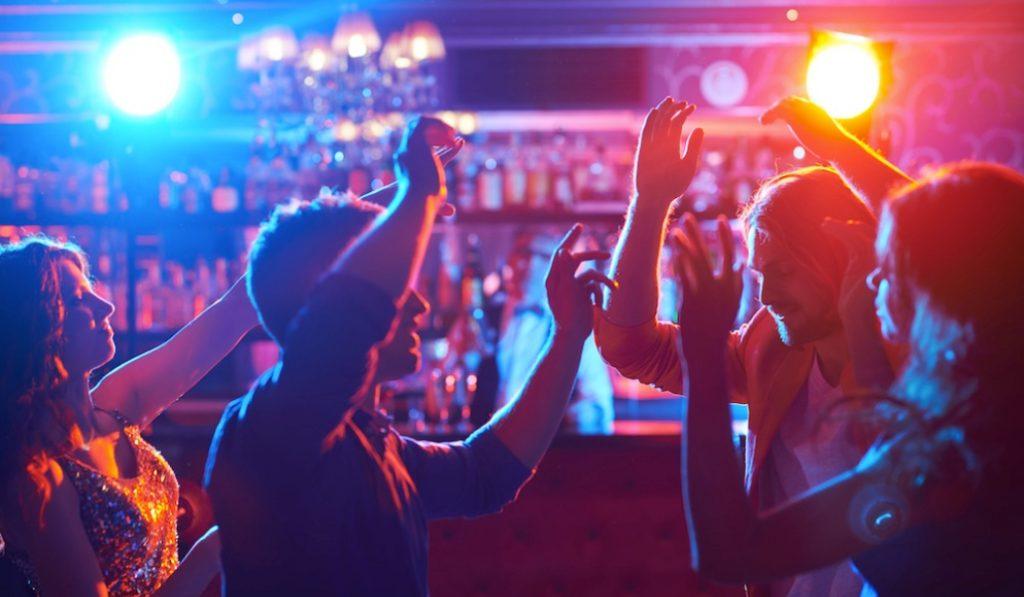 Las discotecas de Madrid podrán vender comida a final de año