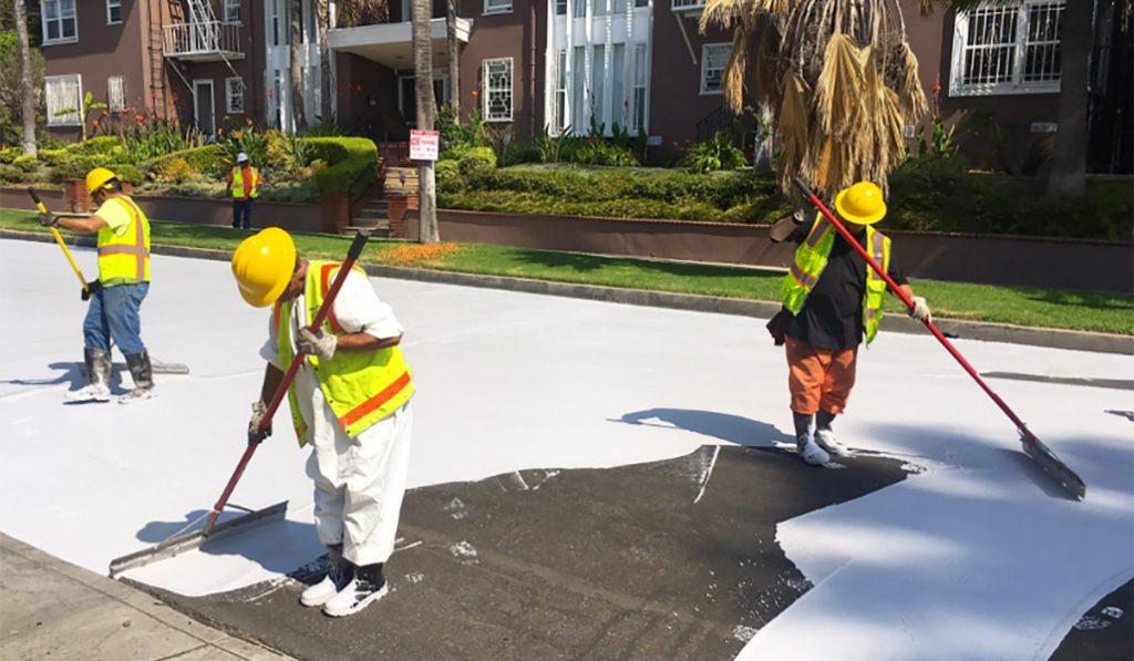 ¿Y si pintáramos las calles de Madrid de blanco para combatir el calor?