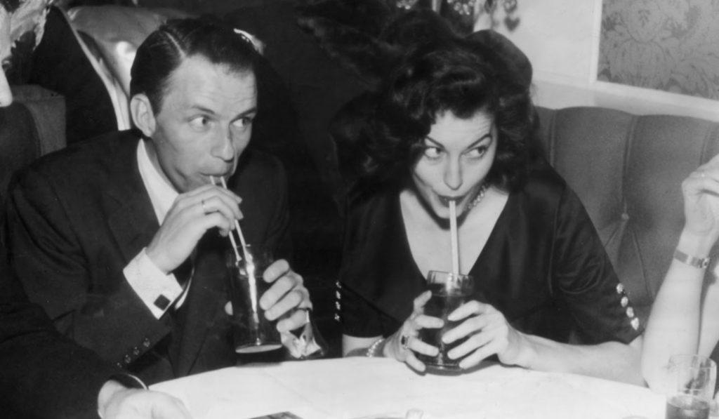El día que Sinatra y su odio a España pagaron por llenar el Bernabéu