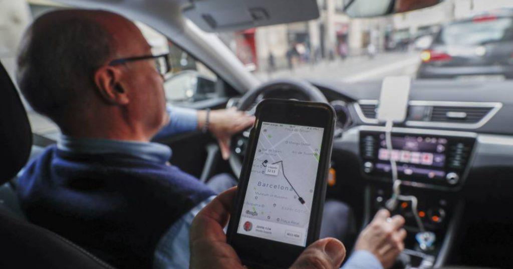 Uber y Cabify regalarán viajes este miércoles