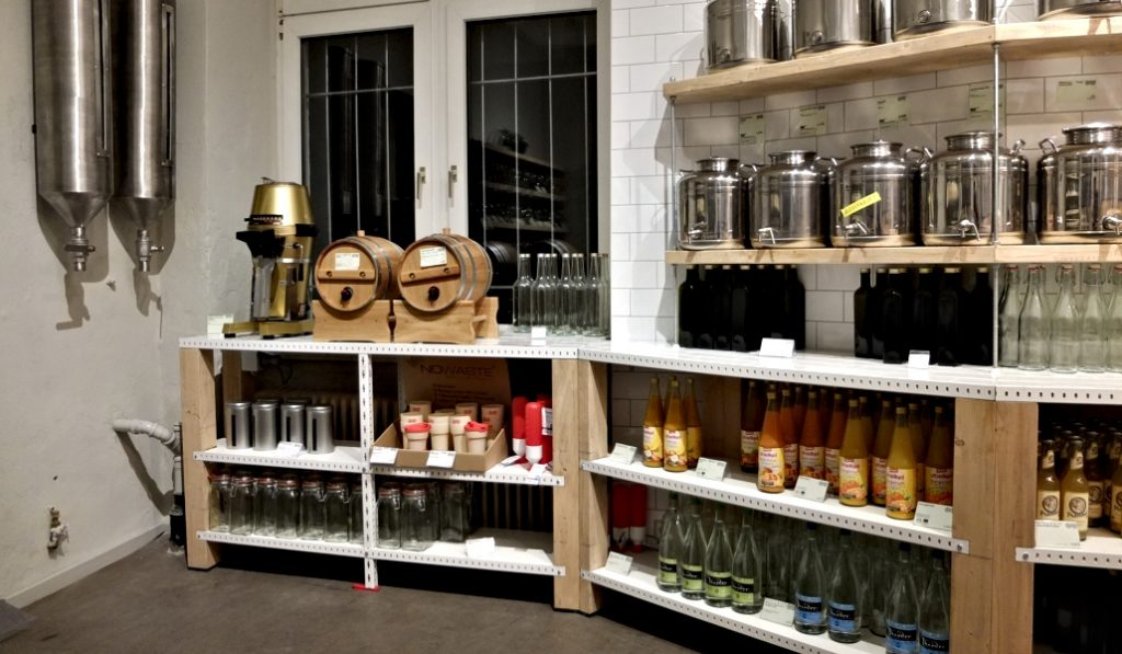 Así es el primer supermercado 100% libre de plástico de Madrid