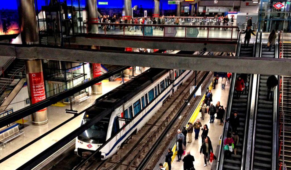El metro de Madrid se iluminará con la energía de los trenes al frenar