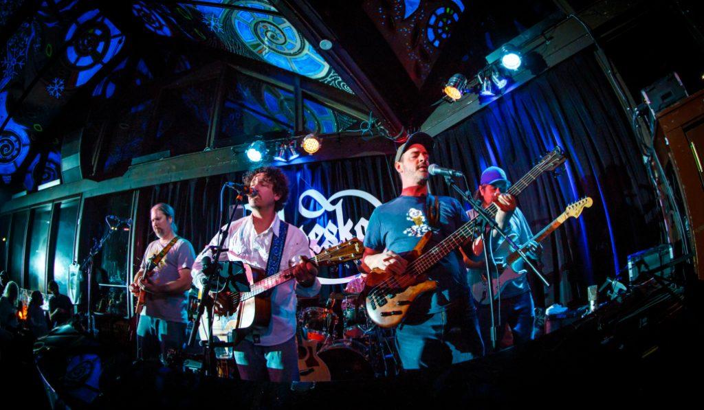 La música en directo en los bares de Malasaña, un paso más cerca de convertirse en realidad