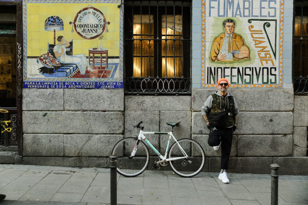 De ruta por Malasaña con el DJ y barista italiano Sandro Bianchi