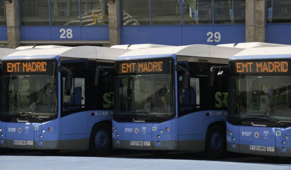 32 líneas de bus reforzadas para ir al centro en Navidad