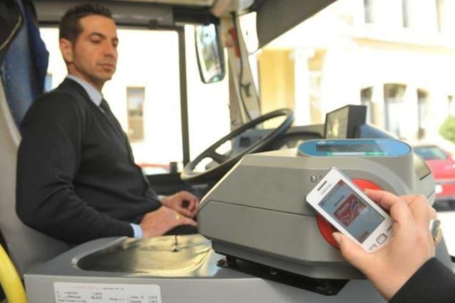 Una app para pagar billete de bus con el móvil, en pruebas