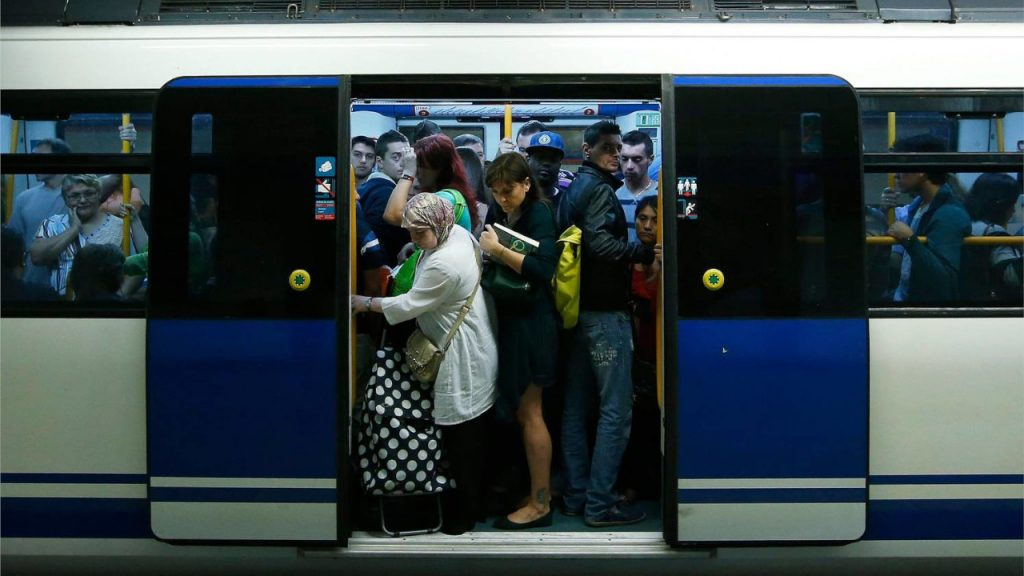 Metro reforzará sus líneas céntricas para soportar el Black Friday