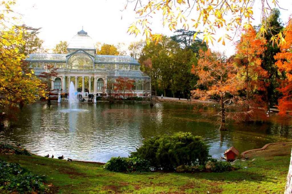 El Retiro celebra sus 150 años como parque público con una remodelación
