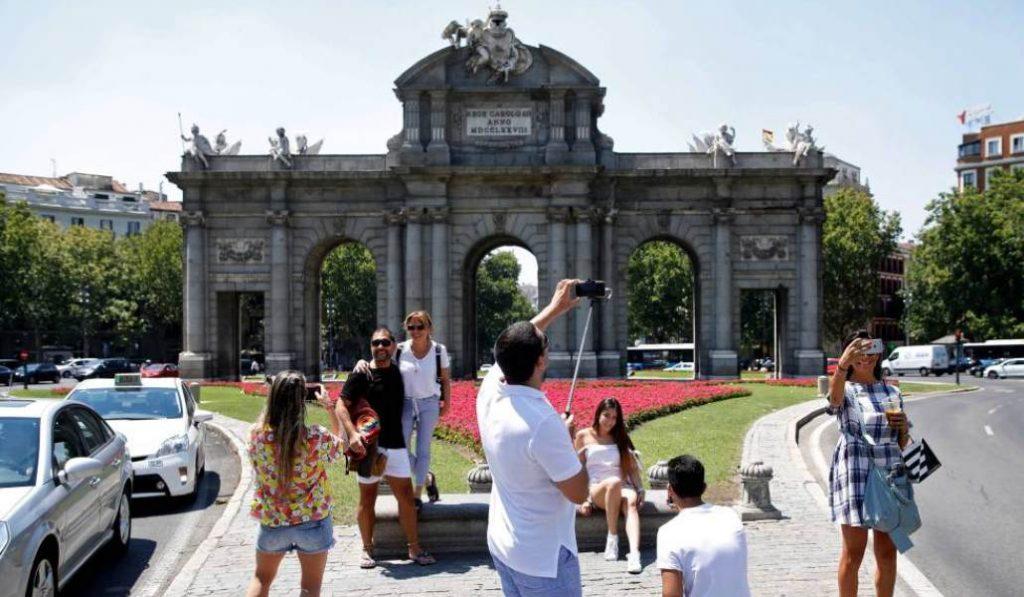 Qué meter en la maleta si vienes de vacaciones a Madrid